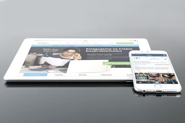 'HTML如何实现页面自适应,适配手机屏幕尺寸'的缩略图